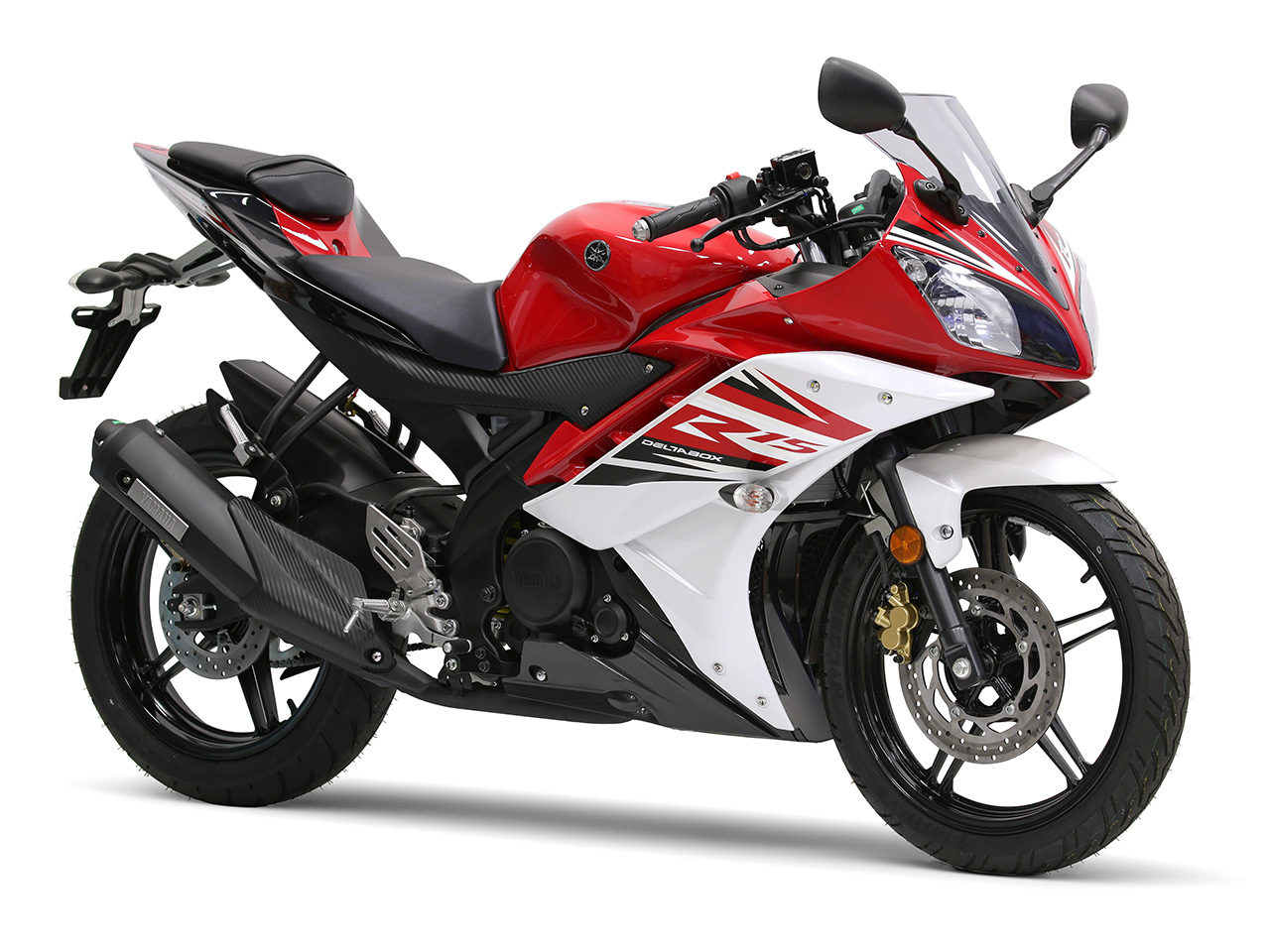 Yamaha YZF-R15 in racing red colour