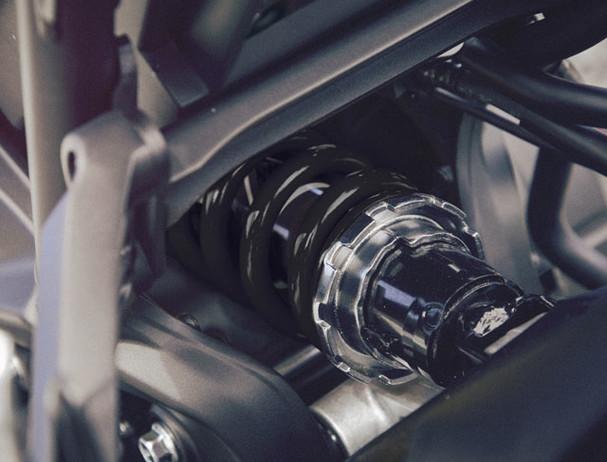 Yamaha XSR900 suspension