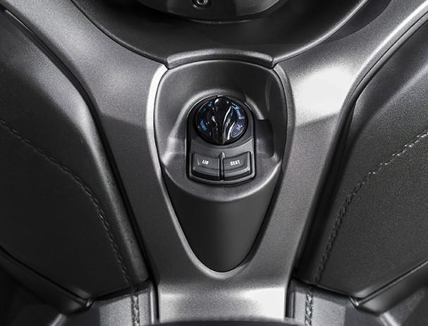 Yamaha XMAX 300 keyless ignition