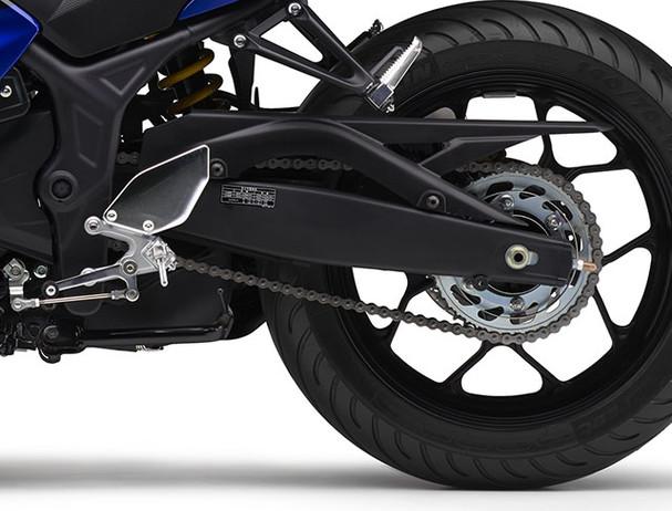 Yamaha YZF-R3SP Movistar wheelbase