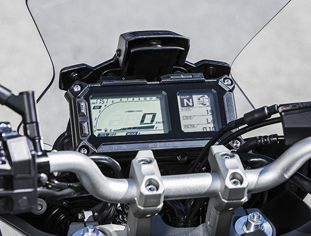 Yamaha Tracer 900 instrument panel